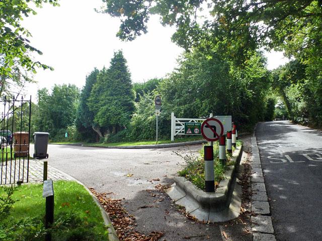 Junction of Solesbridge Lane and  Chess Way