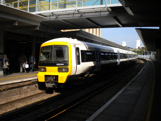 Train at Woolwich Arsenal station