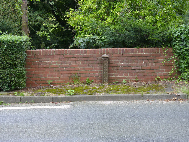 Boundary post on Newton Road
