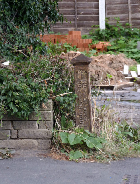 Boundary post on Ashby Road