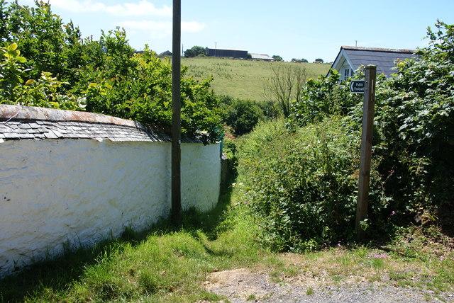 Footpath to Bruggan Farm