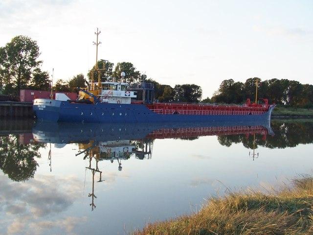 Cargo vessel on the River Nene,  Port Sutton Bridge
