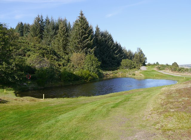Pond on the golf course, by Creag Ulladail