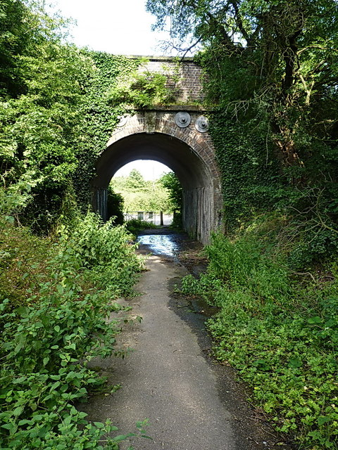 Paradise Lane railway bridge