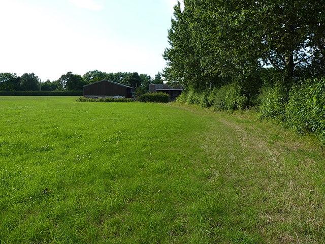 Approaching Upper Laches Farm