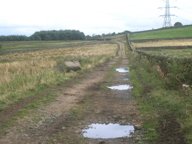 Bridleway towards Hazelhead Hall and Ecklands