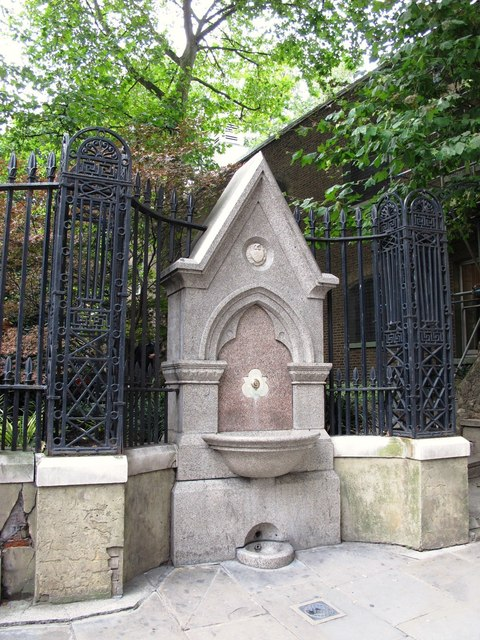 Drinking fountain at the Aldersgate Street entrance to Postman's Park
