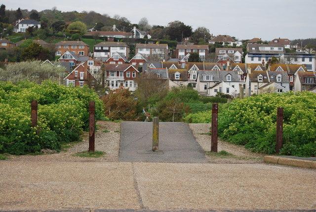Footpath to Seaview Bridge