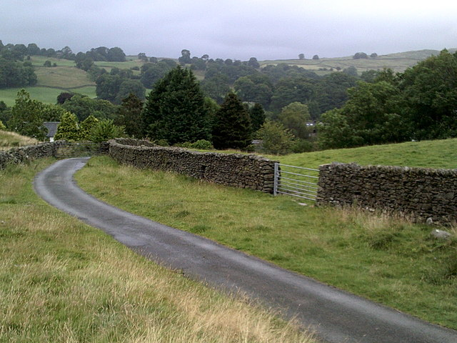 Narrow country lane to the south-west of Ings