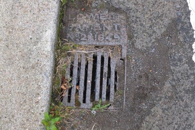 Old iron street drain, Biggiesknowe