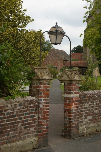 Churchyard entrance and lamp, Uckfield
