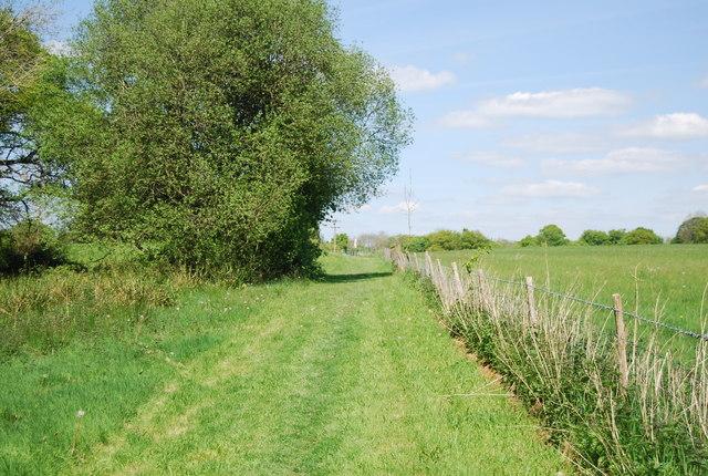 Footpath to Wattlehurst Farm