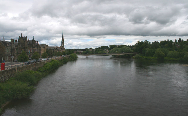River Tay from the footbridge