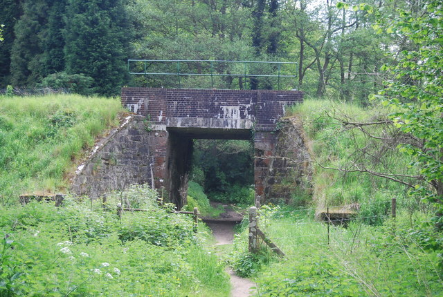 Railway bridge over the Tunbridge Wells Circular Walk