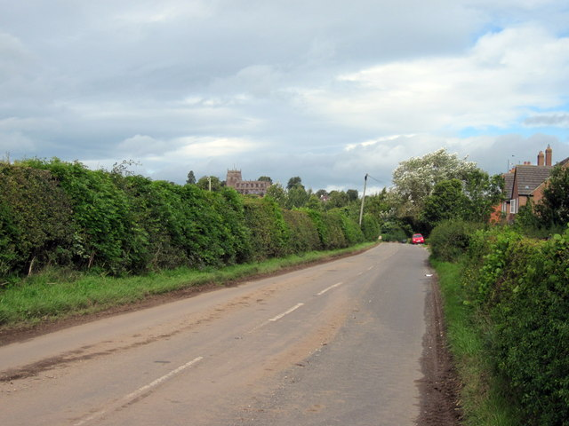 The B5395 approaching Malpas
