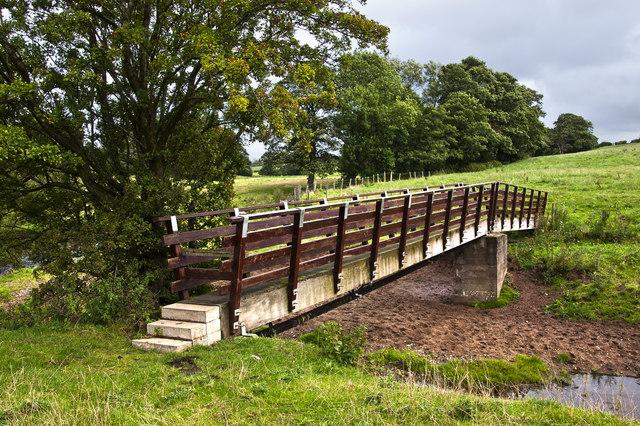 Footbridge over Barton Brook