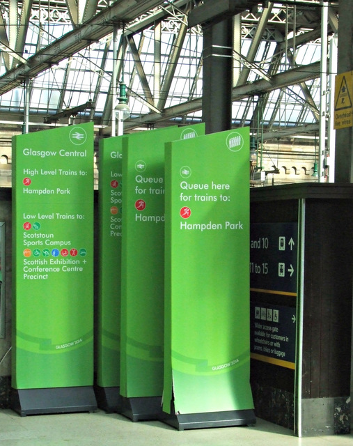 Commonwealth Games signs at Glasgow Central