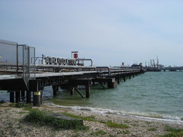 Oil jetty