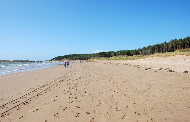 The beach at Llanddwyn Bay