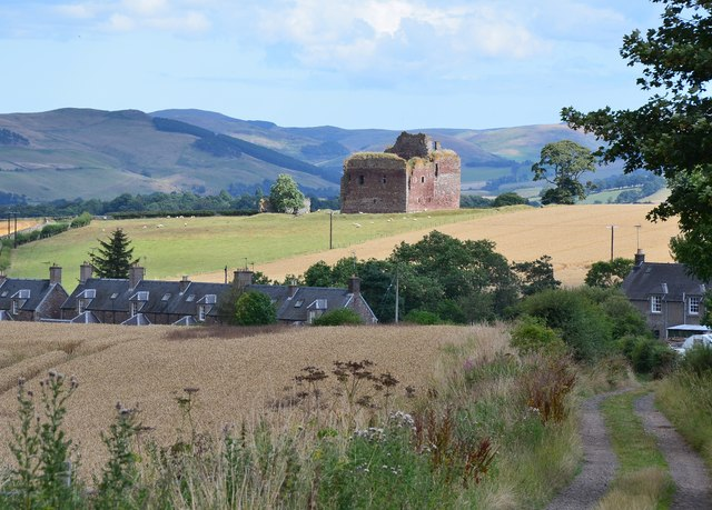 Cessford Castle and cottages
