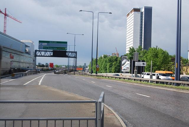 A3220, West Cross Route
