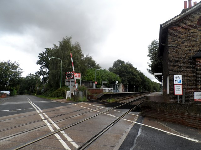 Westerfield railway station and level crossing