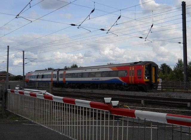East Midlands train at Helpston Crossing