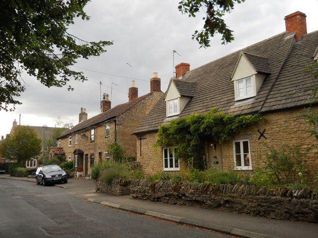 Cottages on Broad Wheel Road, Helpston