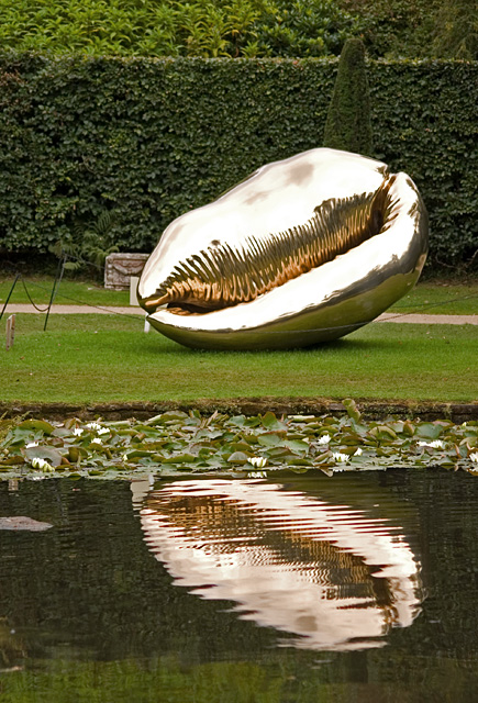 Sculpture by the Ring Pond, Chatsworth