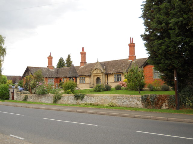 James Bradford Almshouses, Helpston