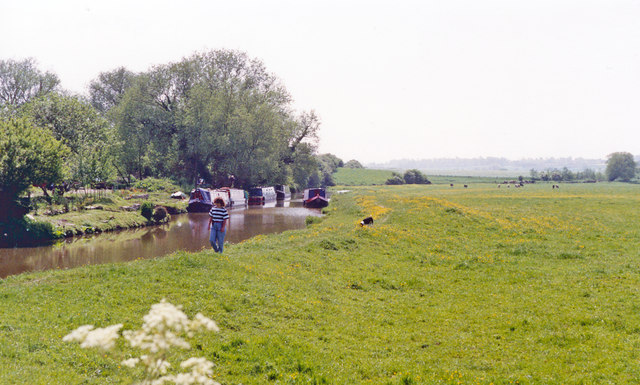 Southward on Oxford Canal at Somerton, 1992