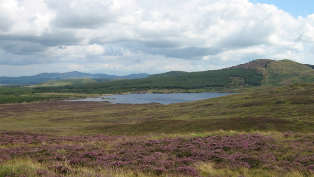 Loch Whinyeon & Bengray from Fell of Laghead