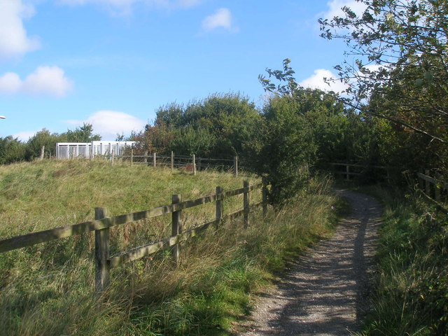 Bridleway to the bridge over the A650