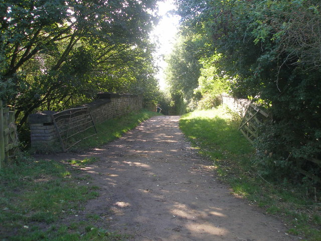 Bridleway over the disused railway north of Oakwell Hall