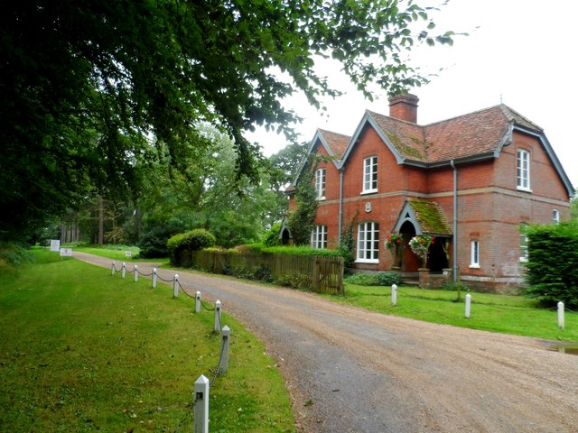 House at entrance to Chillesford Lodge