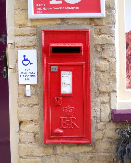 Wall-mounted EIIR postbox at Helpston Post Office
