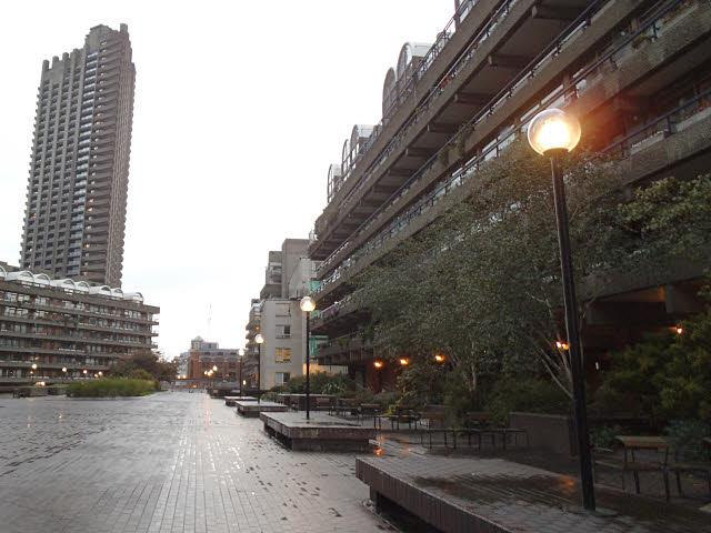 Barbican tour: Beech Street highwalk at dusk