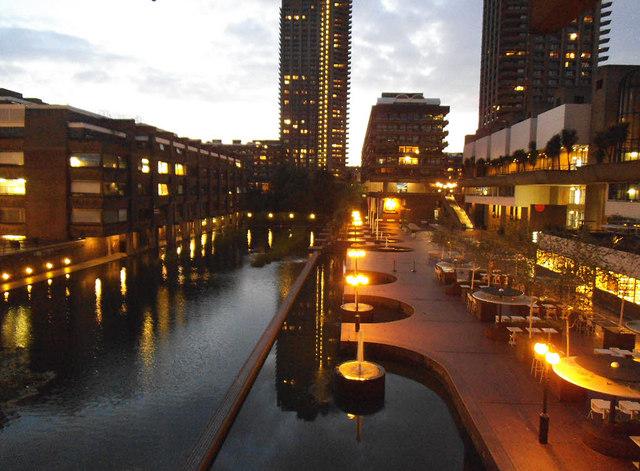 Barbican tour: lakeside at dusk