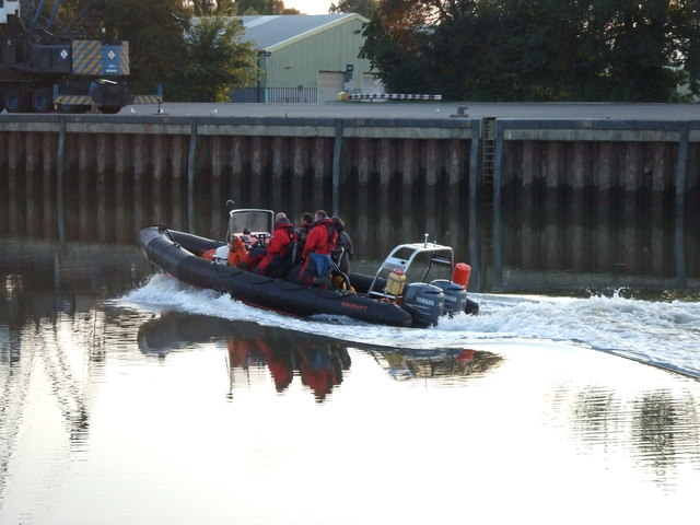Inflatable speed boat in Port Sutton Bridge