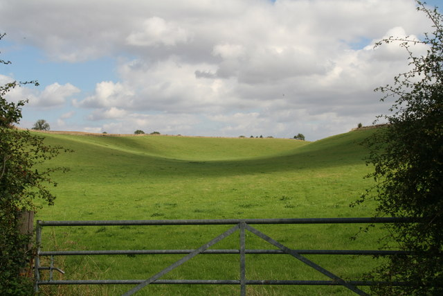 Hills and valleys of the Lincolnshire Wolds, east of the road from Swallow to Croxby