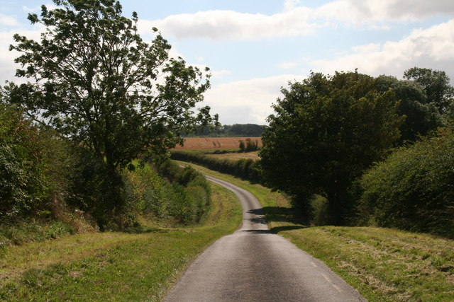 Road from Swallow to Croxby