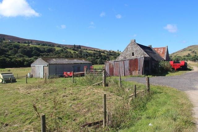 Torbreck farm buildings in Strath Fleet