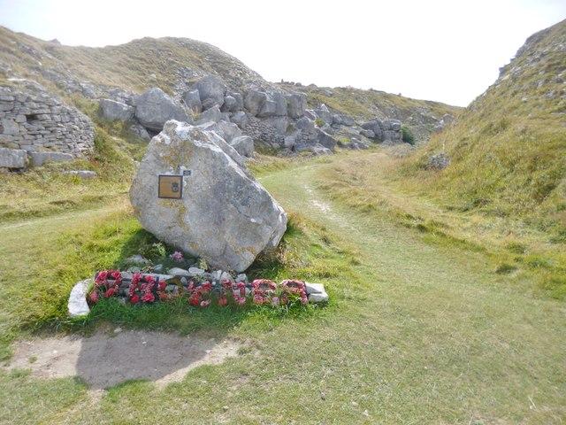 Weston, memorial