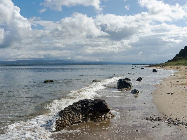 Rosemarkie coast between mid- and high-tide