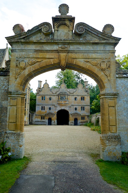 Stanway House Gatehouse and Inner Courtyard Arch