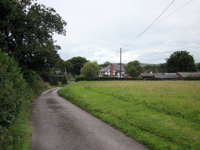 Footpath at Bradley Green