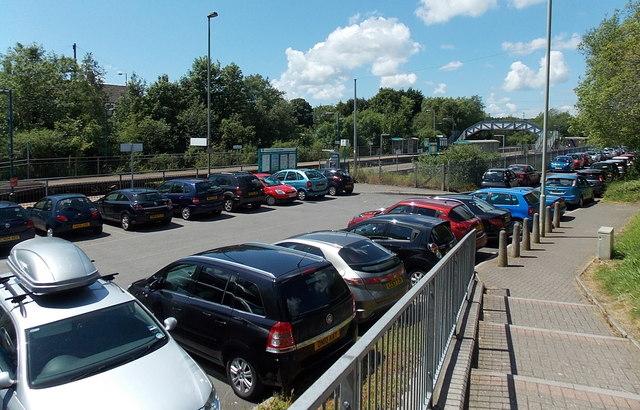 Pontyclun railway station car park