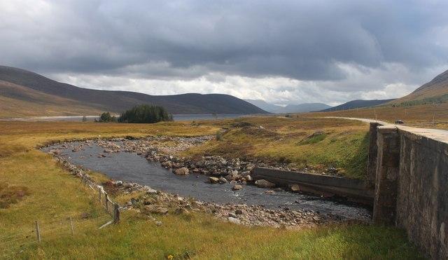 Abhainn an Torrain Duibh heading for Loch Glascarnoch