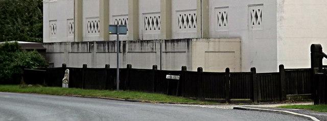 Lower Street sign & Milepost