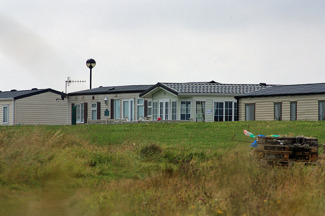Holiday homes on Gristhorpe Cliff